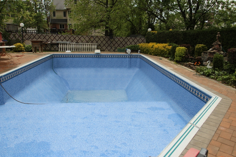 Custom replacement pool liners for your above ground or for Custom made above ground pools